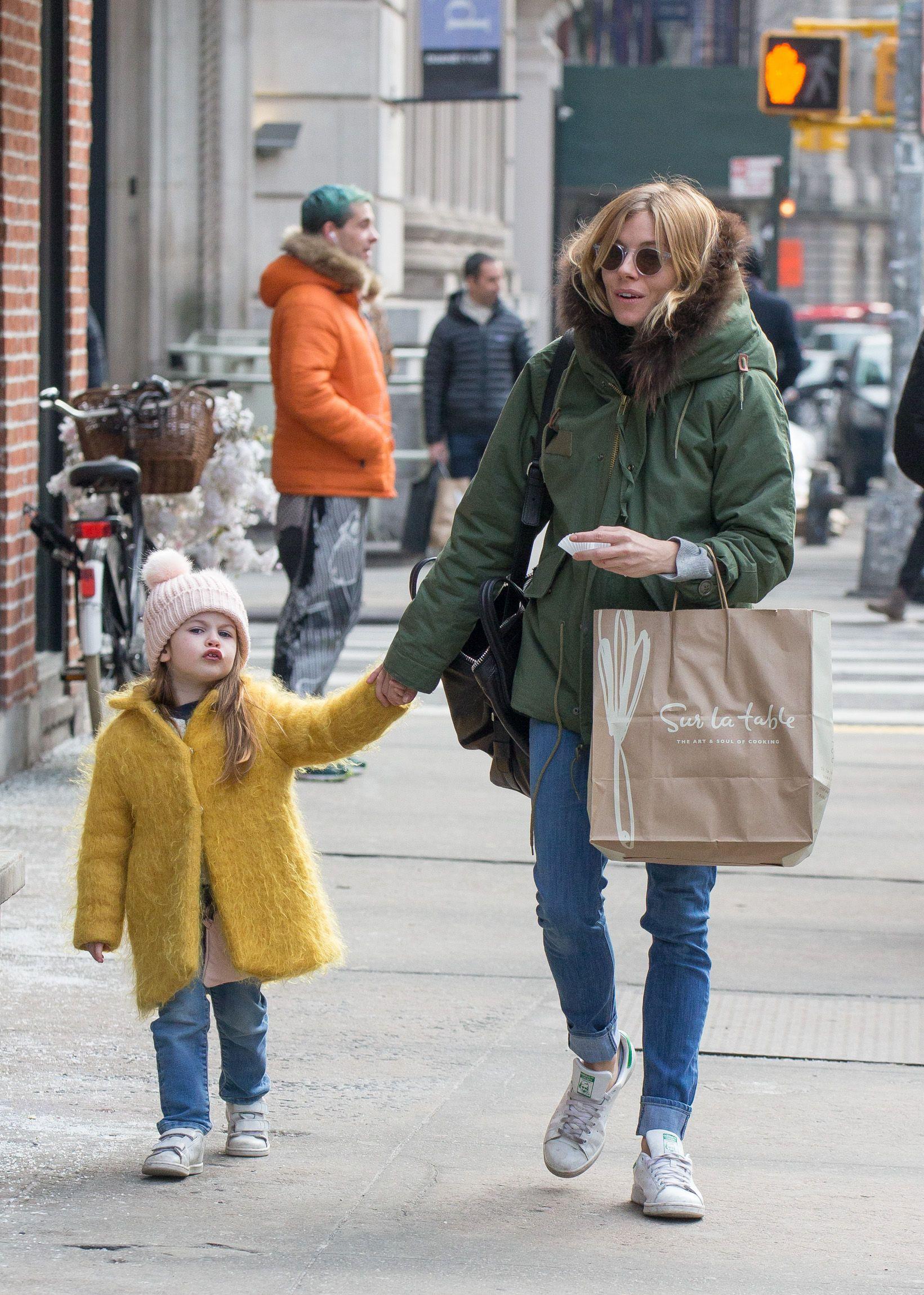 Sienna and Marlowe | Sienna Miller | Sienna miller style ...