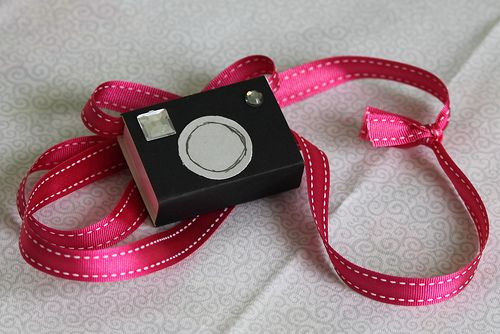 camera matchbox favor
