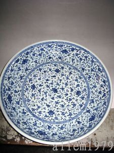 Chinese antique exquisite blue and white porcelain
