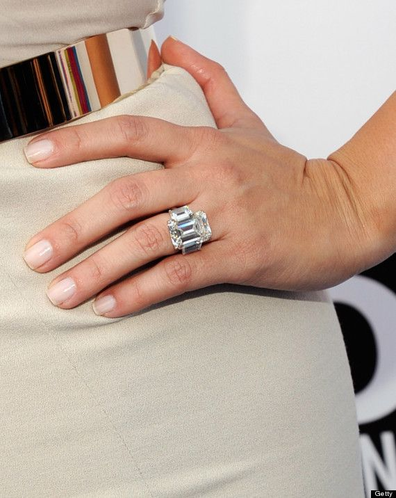 Kim Kardashian S Engagement Ring Sold At Auction