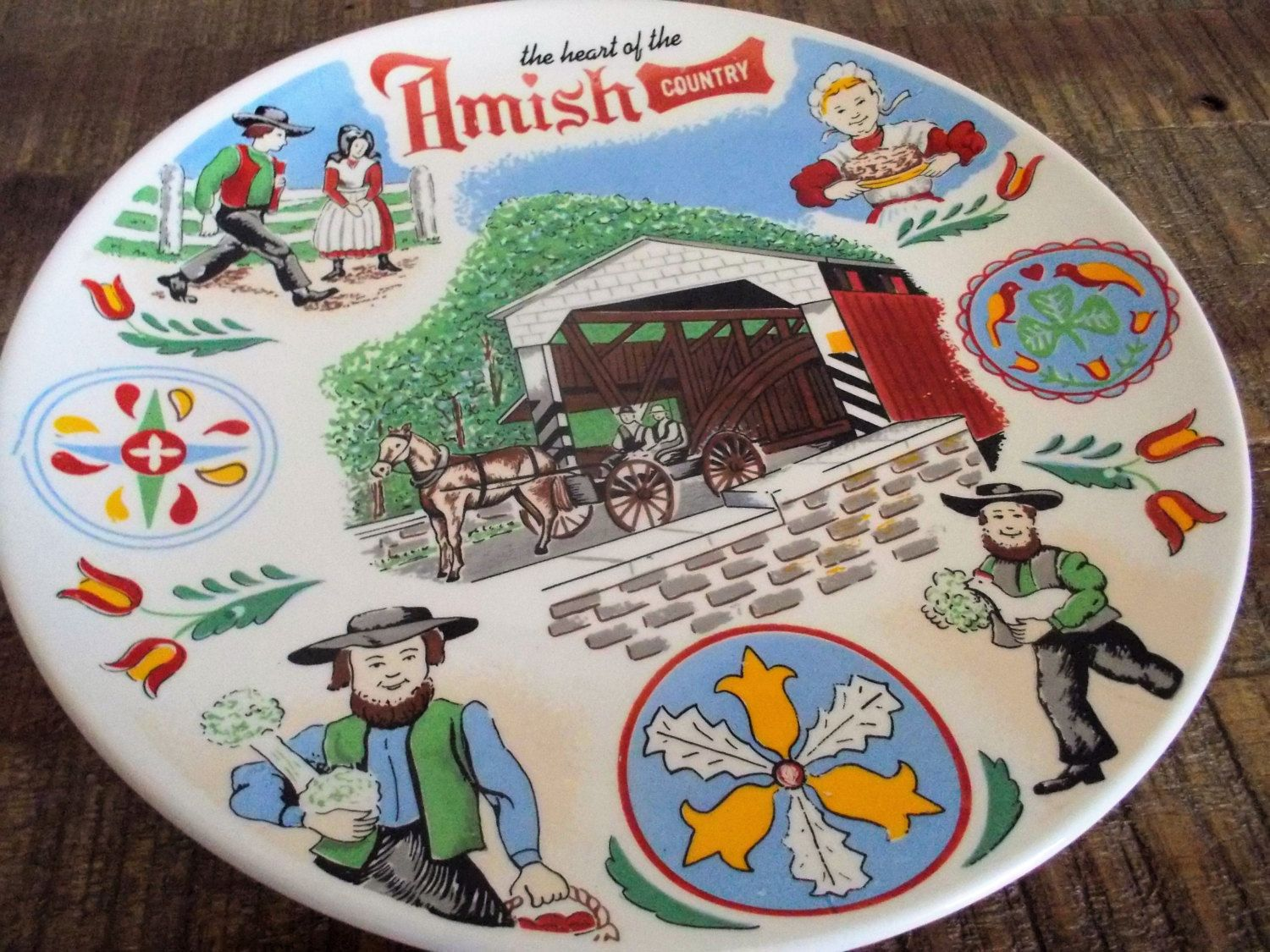Colorful Vintage Amish Country Souvenir Decorative Plate by ObjetLuv on Etsy : country decorative plates - pezcame.com