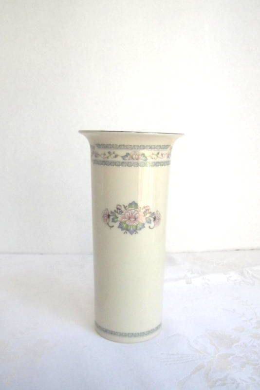Lenox Bud Vase Charleston China Gold Trim Off White Ivory Floral