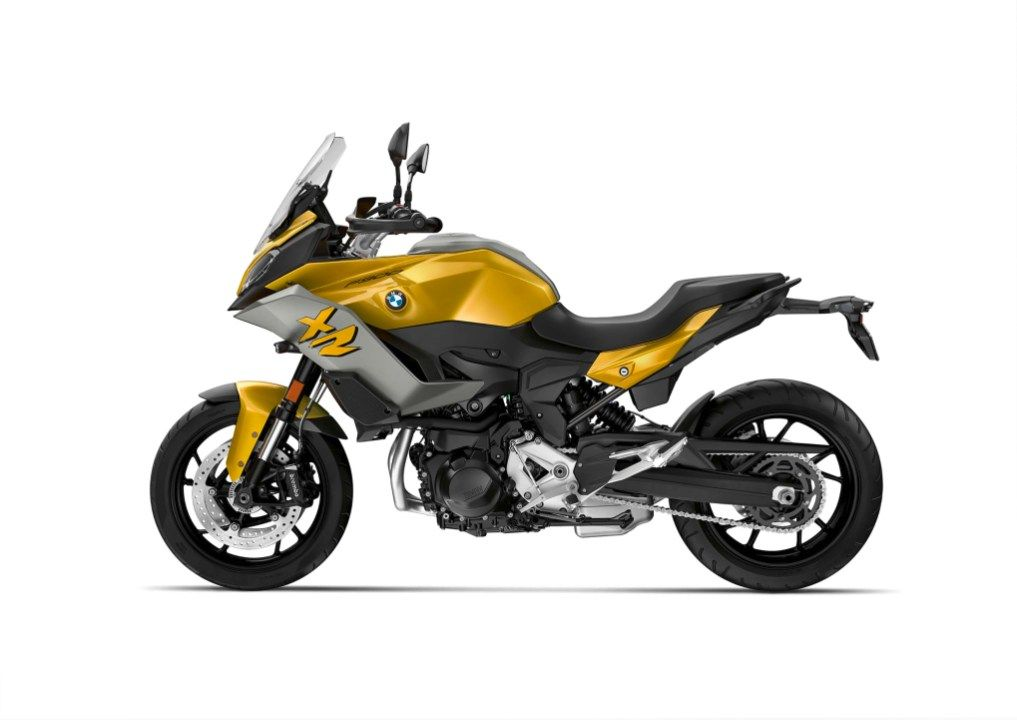 The Bmw F900xr Is Set To Take On The Middleweight Adventure Sport Market En 2020