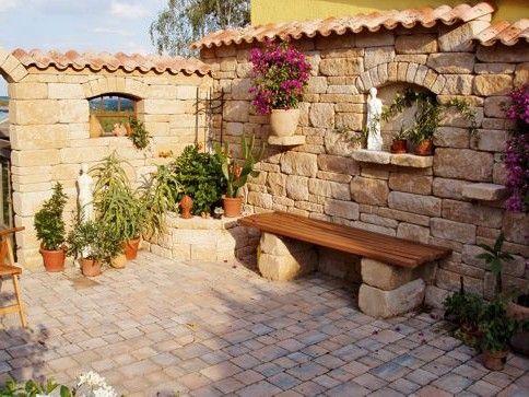 Pin Von Rik Nieuwdorp Auf Spaanse Achtertuin Inspiratie Garten Garten Ideen Und Steinmauer Garten