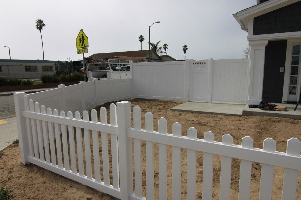 Vinyl Solid Picket Fence With Vinyl Craft White Scalloped Picket Fencing Combined With Solid Privacy