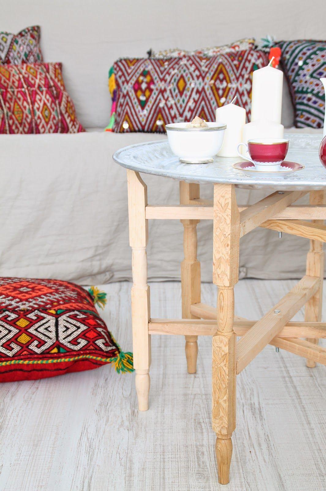 quedamos en un bazar textil. cojines bereberes. dar amína shop