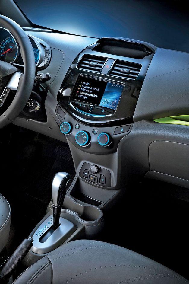 Chevy Aims Tiny Spark At City Dwellers Chevrolet Spark Autos