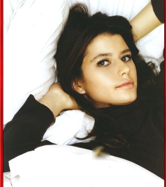 Beren Saat, actress, Turkey. Discover our World Cinema Stars -boards.