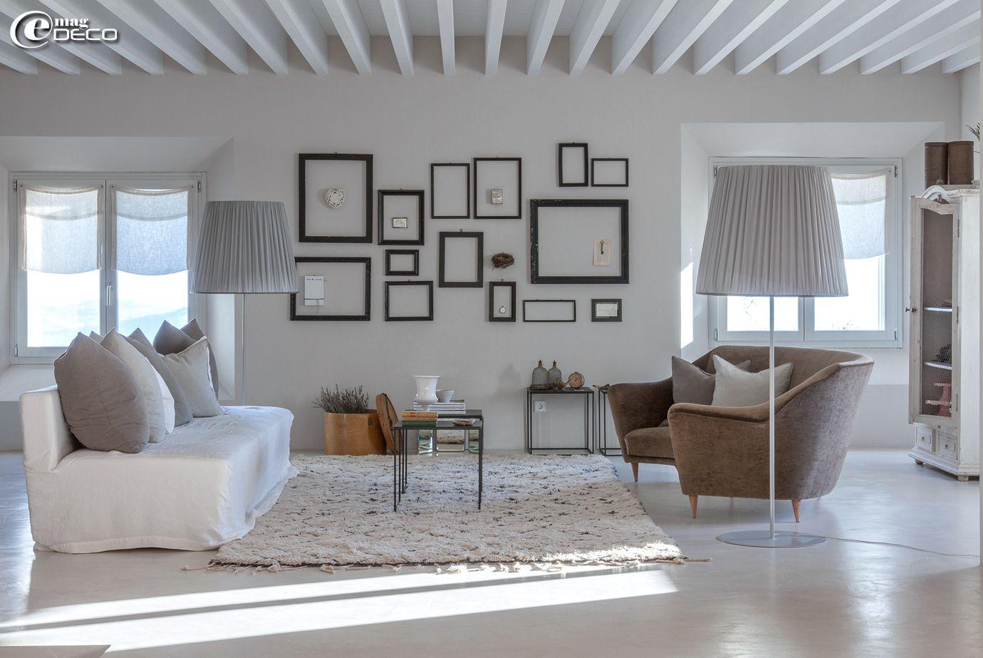 Dans le salon de la maison d\'hôtes \'Malatesta\' en Italie, tapis ...