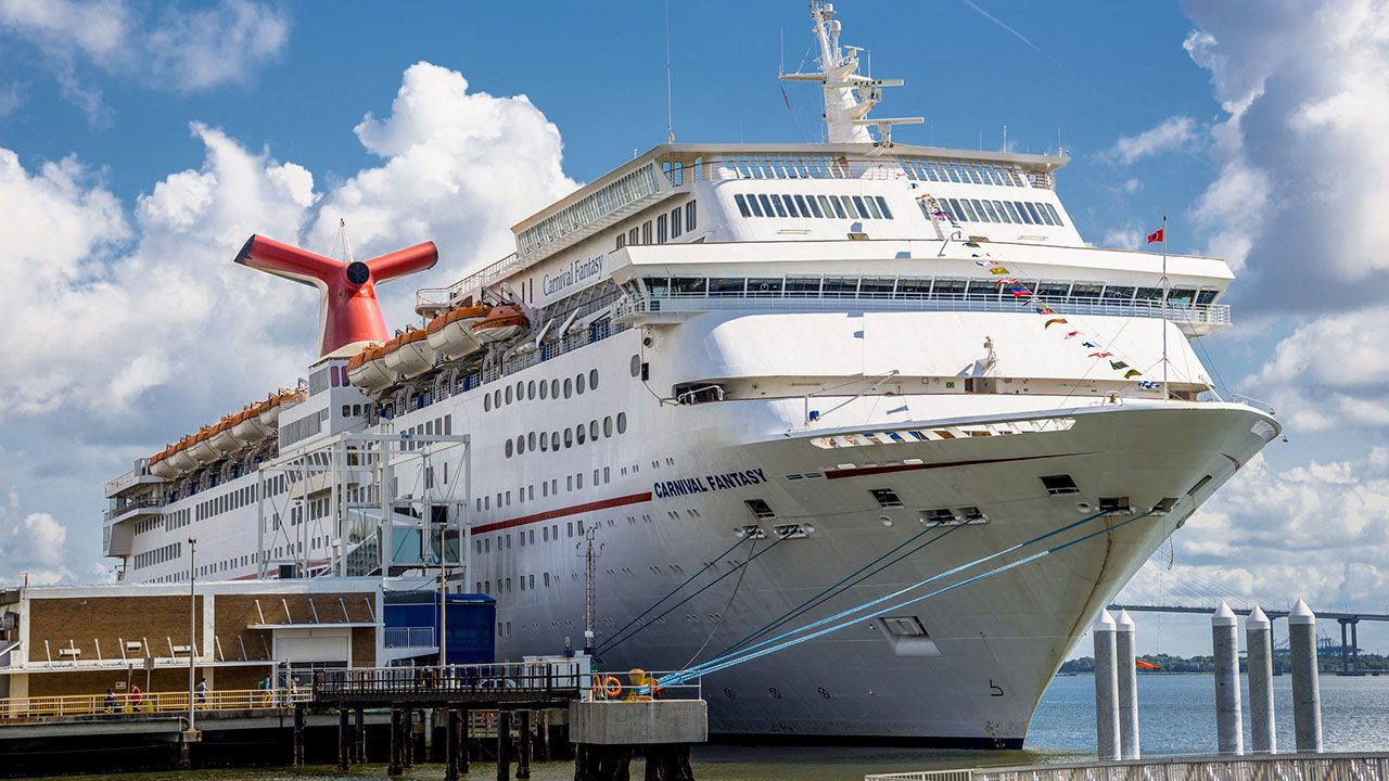 Family finds hidden camera in Carnival Cruise stateroom