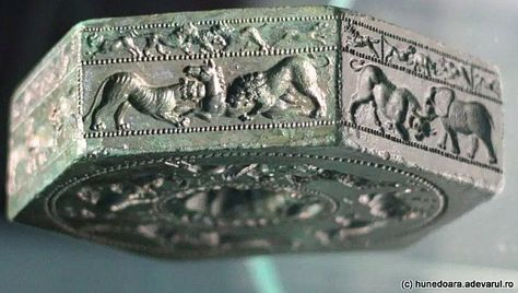 Unique 2,000-Year-Old Hexagonal-Shaped Bronze Matrix Of Sarmizegetusa 67391397ee9aa190feec1583e77d9f9b