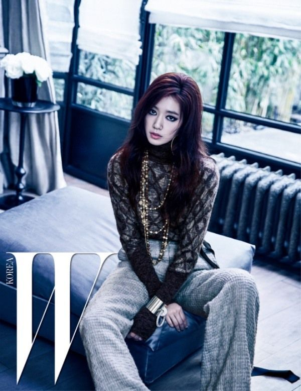 Park Shin Hye Shows Bold Look In W Korea Koogle Tv