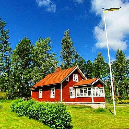 Ferienhäuser von Privat in Schweden zu besonders günstigen Preisen findet man bei www.ferienhaus-schweden-hsf.com oder bei www.ferienhaus-smaland.com