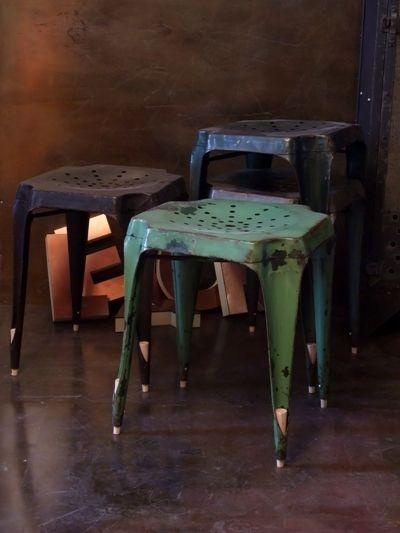 Tabouret multipl 39 s vert ancienne chaise multipls style tolix pour une d c - Ancienne chaise tolix ...