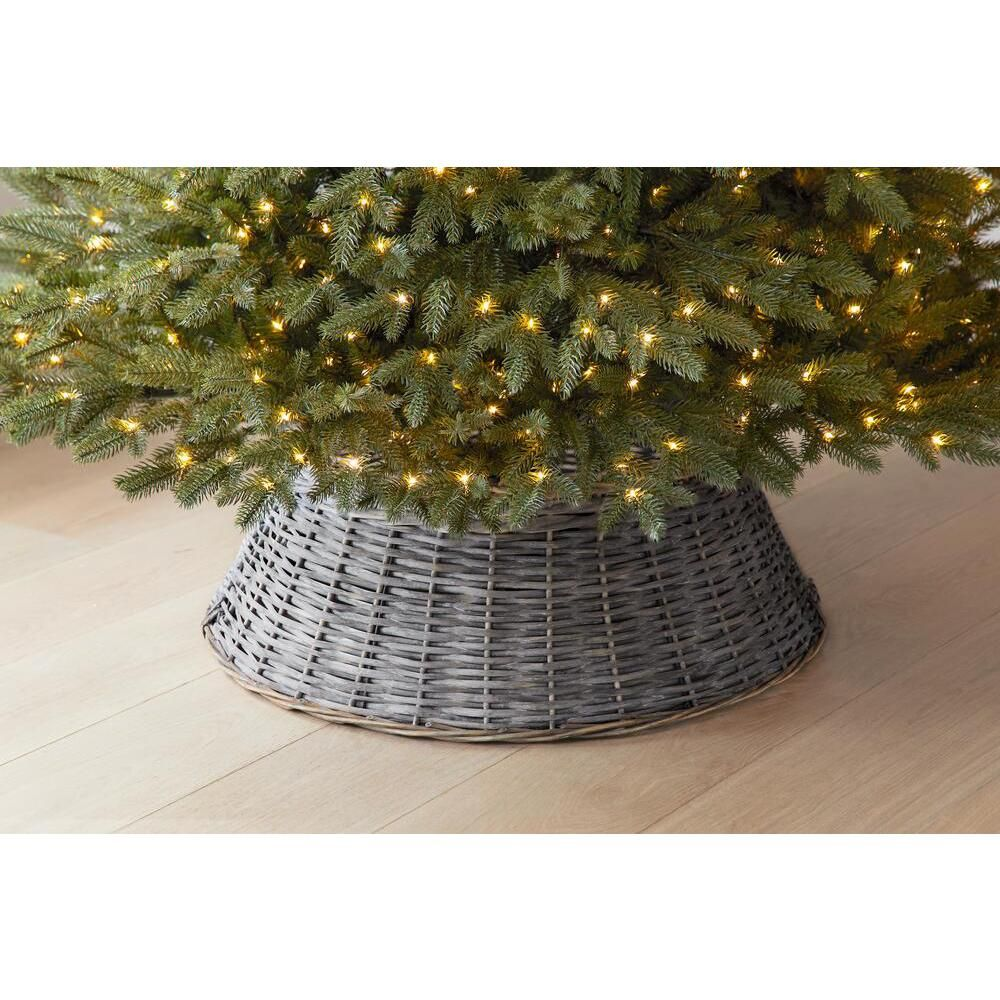 Home Accents Holiday 27 In Rattan Tree Collar 4040583 The Home Depot In 2020 Metal Christmas Tree Tree Collar Tree