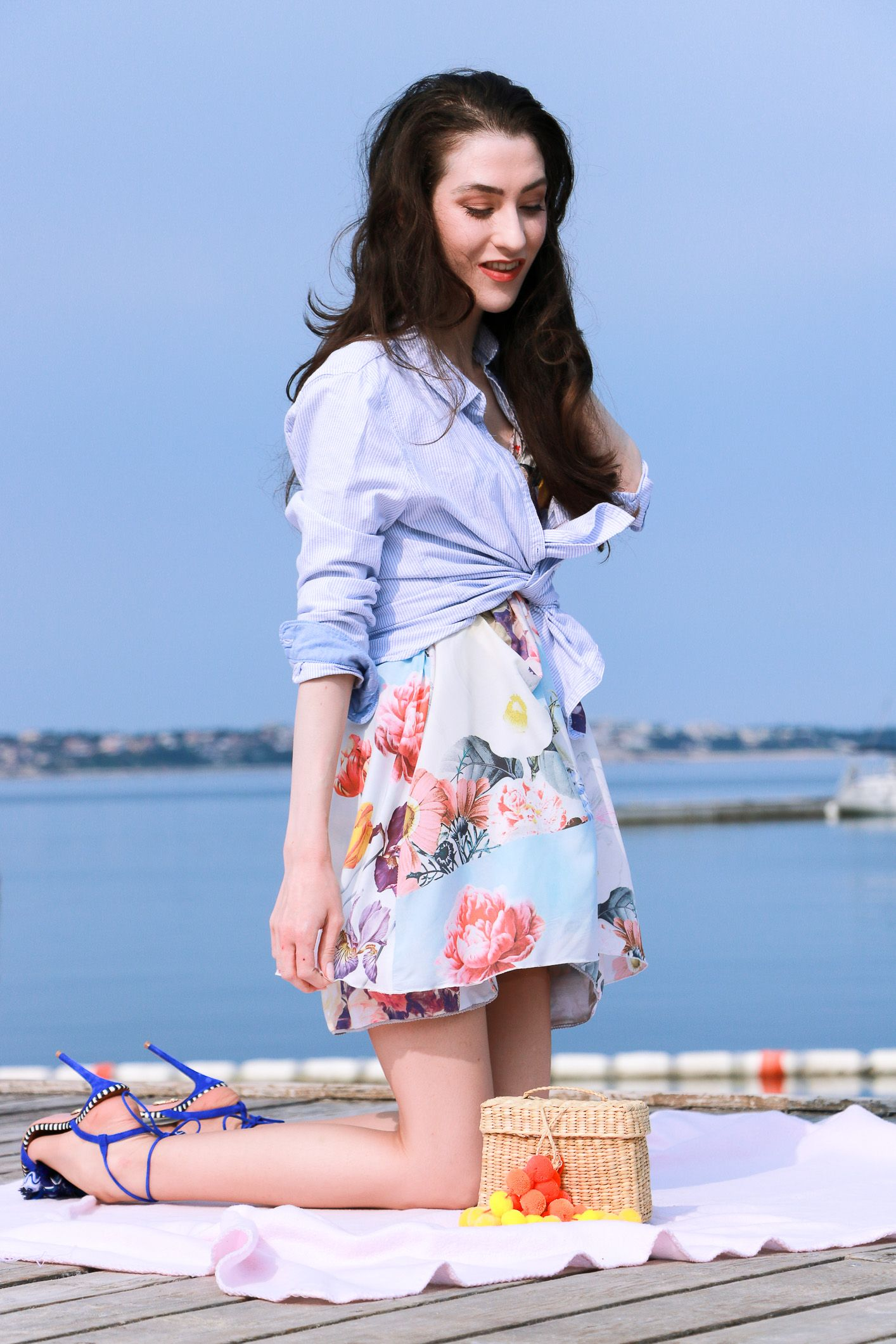 This Seaside Summer Picnic Outfit Is a Guarantee for a ...