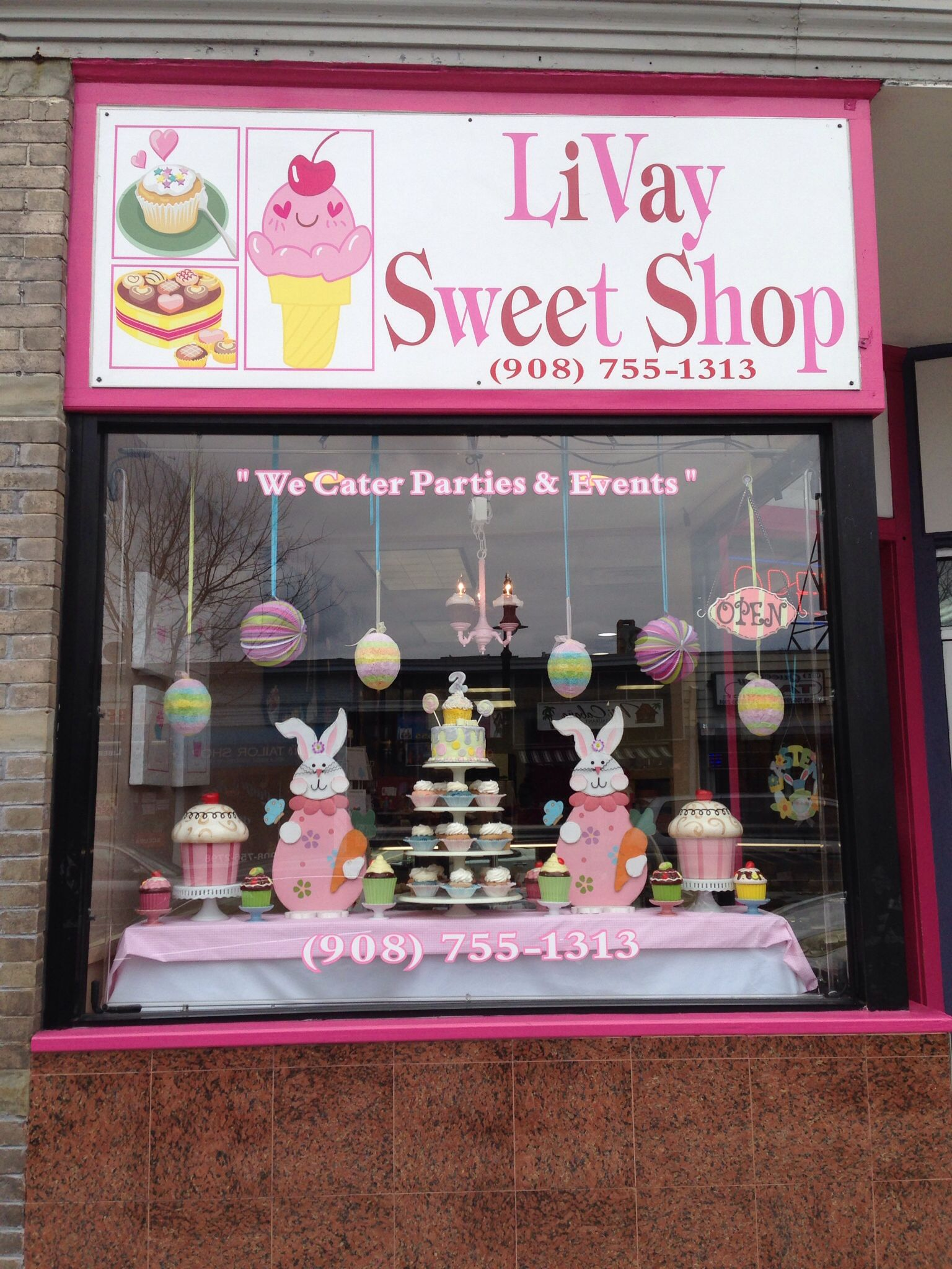 Easter window display 2014 livay sweet shop for Bakery decoration