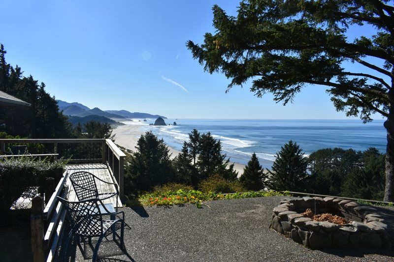 The Viewpoint Cannon Beach Vacation Home (With images