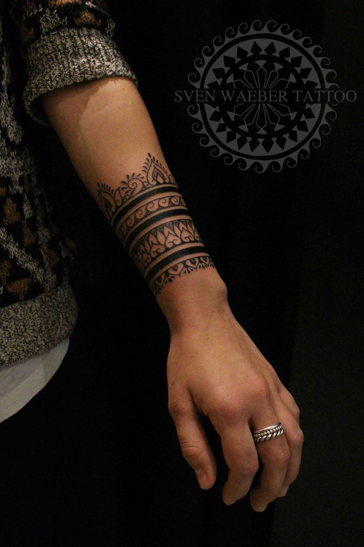 53e473669 Pinterest: itsgeegi Henna Arm Tattoo, Tribal Band Tattoo, Maori Tattoos, Cuff  Tattoo