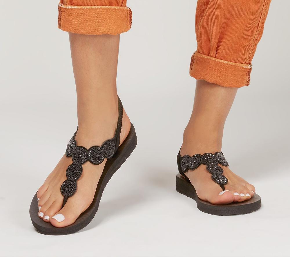 Pin on Handbags \u0026 Shoes