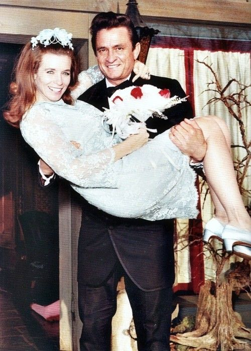 Johnny June Cash On Their Wedding Day 1968 People Pinterest