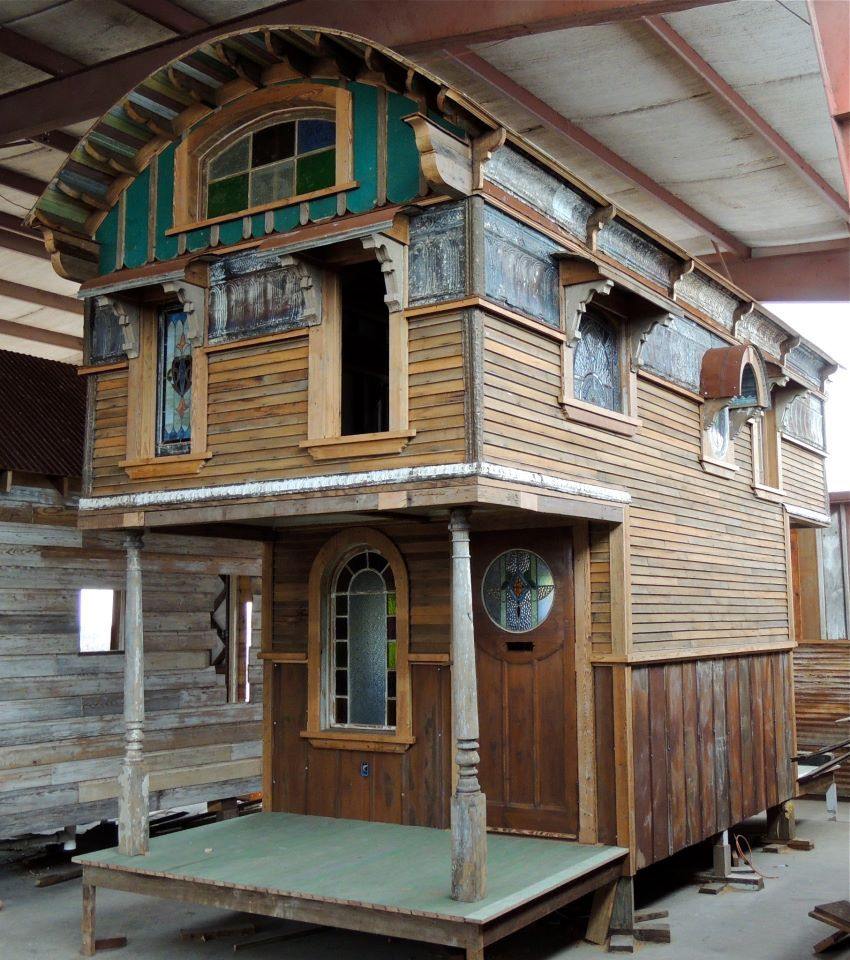Tiny Texas Houses recycled materials Looks so perfect Tiny