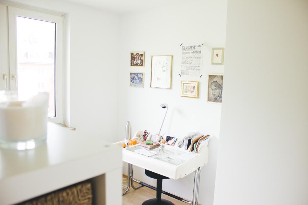 Helles Zimmer Grosses Fenster Helle Mobel Schreibtischecke Wgzimmer Wg Zimmer Helle Mobel Zimmer