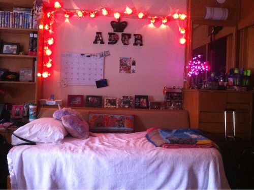 Creative Ways To Decorate Your Dorm Room! | Bedroom | Pinterest