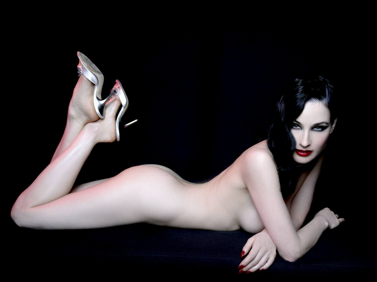 Dita Von Teese nackt, Oben ohne Bilder, Playboy Fotos,