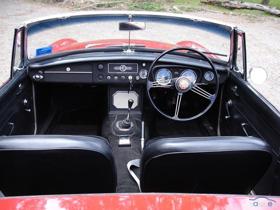 1967 MGB dash, original wheel, no o/d | Cars - MG B | Cars