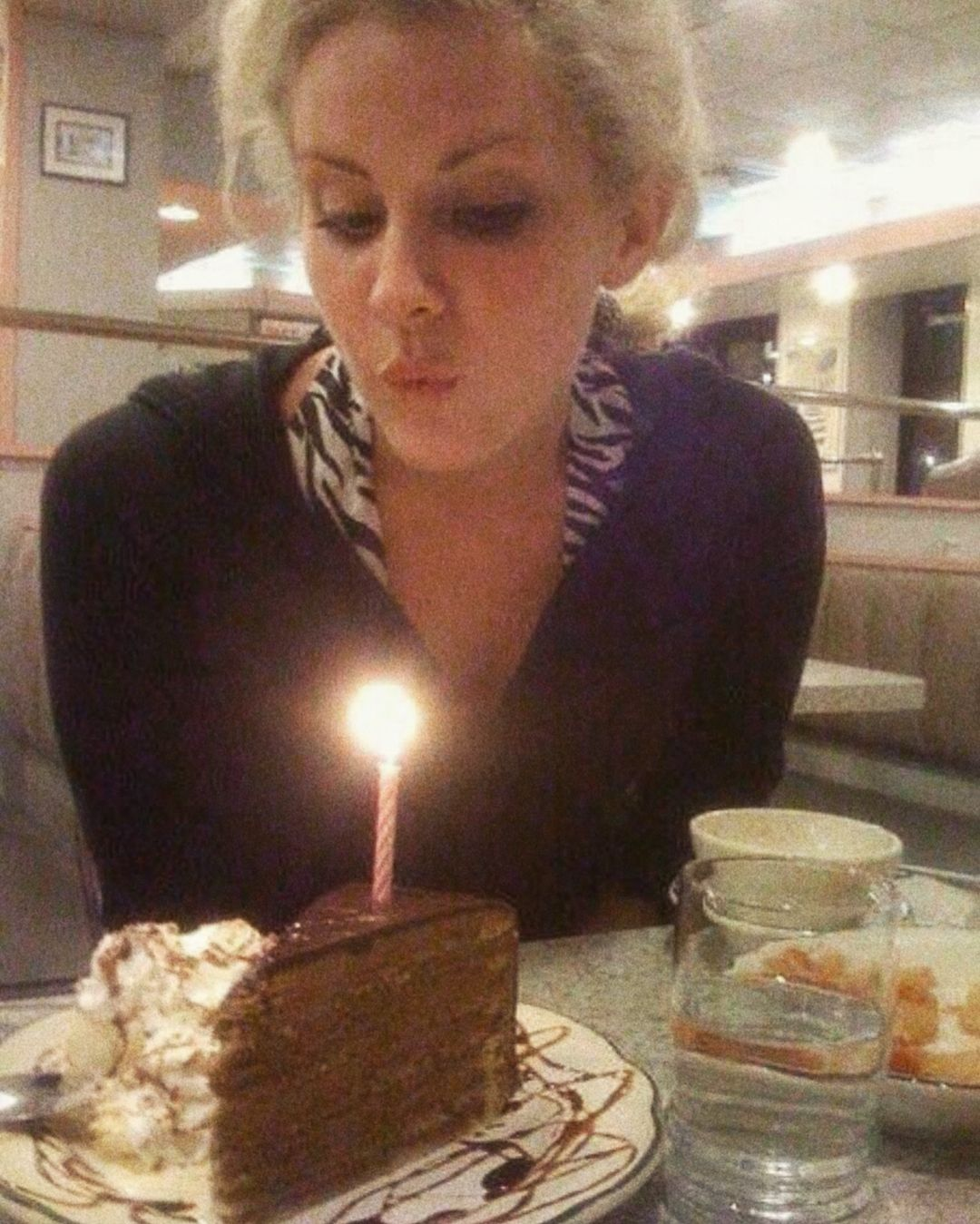 Lizzy Grant Blowing Out The Candle On Her Birthday Cake Lana Del