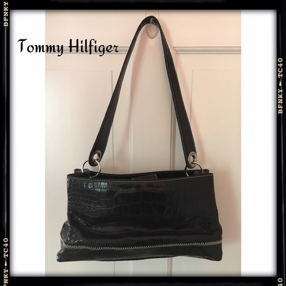 ✨SALE✨ Tommy Hilfiger bag Black Tommy Hilfiger bag. Crocodile patent leather with hot pink interior. Good condition with no rips, stains or tears. Reasonable offers accepted. If you have any questions please let me know. Thanks for shopping my closet! 💃🏻💃🏻💃🏻 Tommy Hilfiger Bags