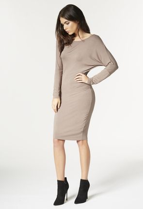 ASYMMETRICAL KNIT Strickleid in Taupe
