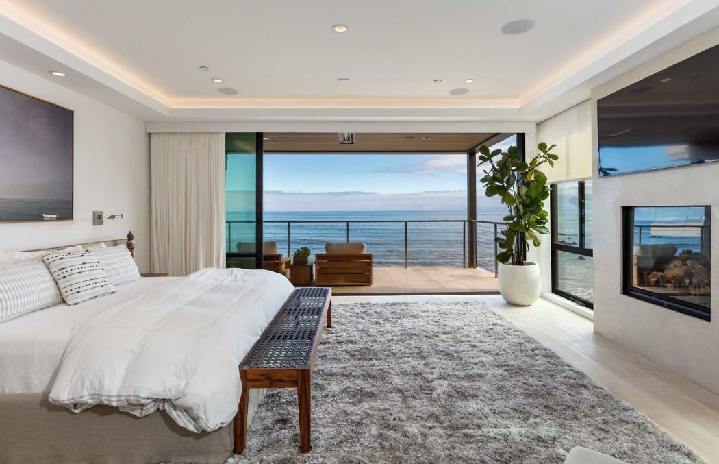Private Residence By Domenique Mora Homeadore Bedrooms Malibu