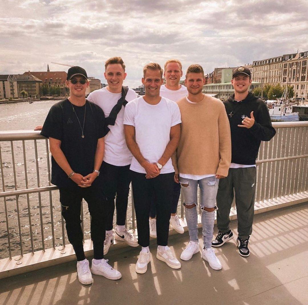26 Me Gusta 0 Comentarios Julian Brandt Fanpage Jujulianbrandt En Instagram Julianbrandt Jannisbrandt In Copenhagen With Friends Fussball Bvb