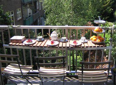 gewusst wie gemeinsam auf dem balkon fr hst cken balkon terrasse drau en wohnung. Black Bedroom Furniture Sets. Home Design Ideas