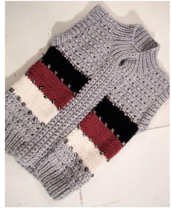 Chaleco en crochet y estoperoles