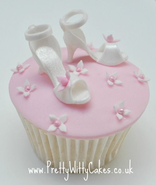 wedding class cupcake classes based in kent east sussex uk Wedding Cupcakes Kent Uk wedding class cupcake classes based in kent east sussex uk cupcake classes wedding cupcakes kent uk