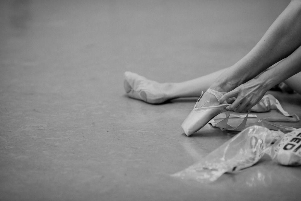 Het Nationale Ballet in Swan Lake rehearsal  Photo © Erik Sawaya