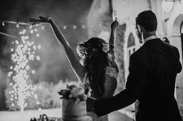 When a picture says a thousand words... ✨ GLL Bride Laura in our ALEXANDRA gown | stylist@graceloveslace.com.au #graceloveslace #theuniquebride