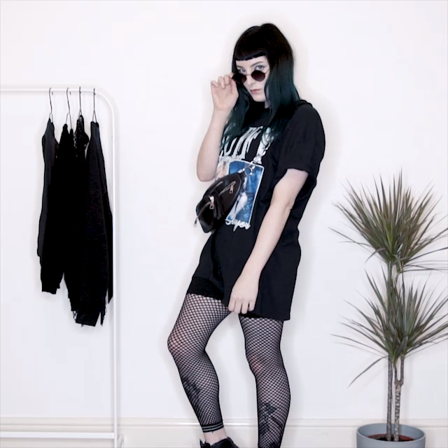 THREE WAYS TO STYLE AN OVERSIZED TEE -   diy Clothes goth