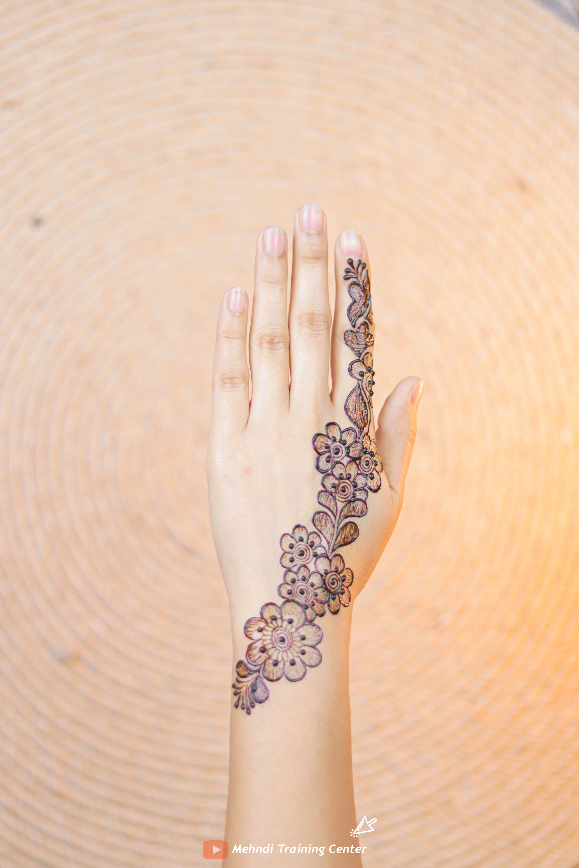 2020 One Side Arabic Mehndi Design Simple Easy Latest Holi Mehndi Design 2020 Happy Holi 2020 Desain Henna Henna Desain