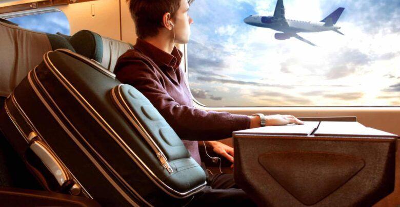 تفسير رؤية السفر في المنام والتجهيز للسفر للعزباء والمتزوجة والحامل In 2020 Car Seats Car Door Seating