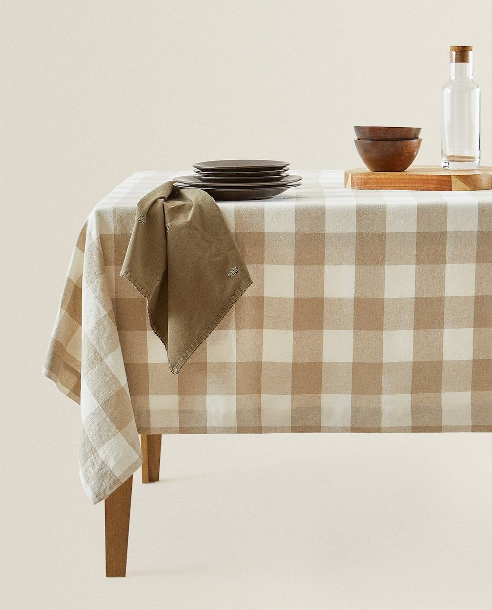 Toalha De Mesa Linho Quadrados Zara Home Portugal In 2020 Zara Home Table Cloth Linen Tablecloth #tablecloth #for #living #room
