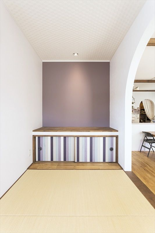 色と壁紙づかいがかわいい家 家 住宅 和室
