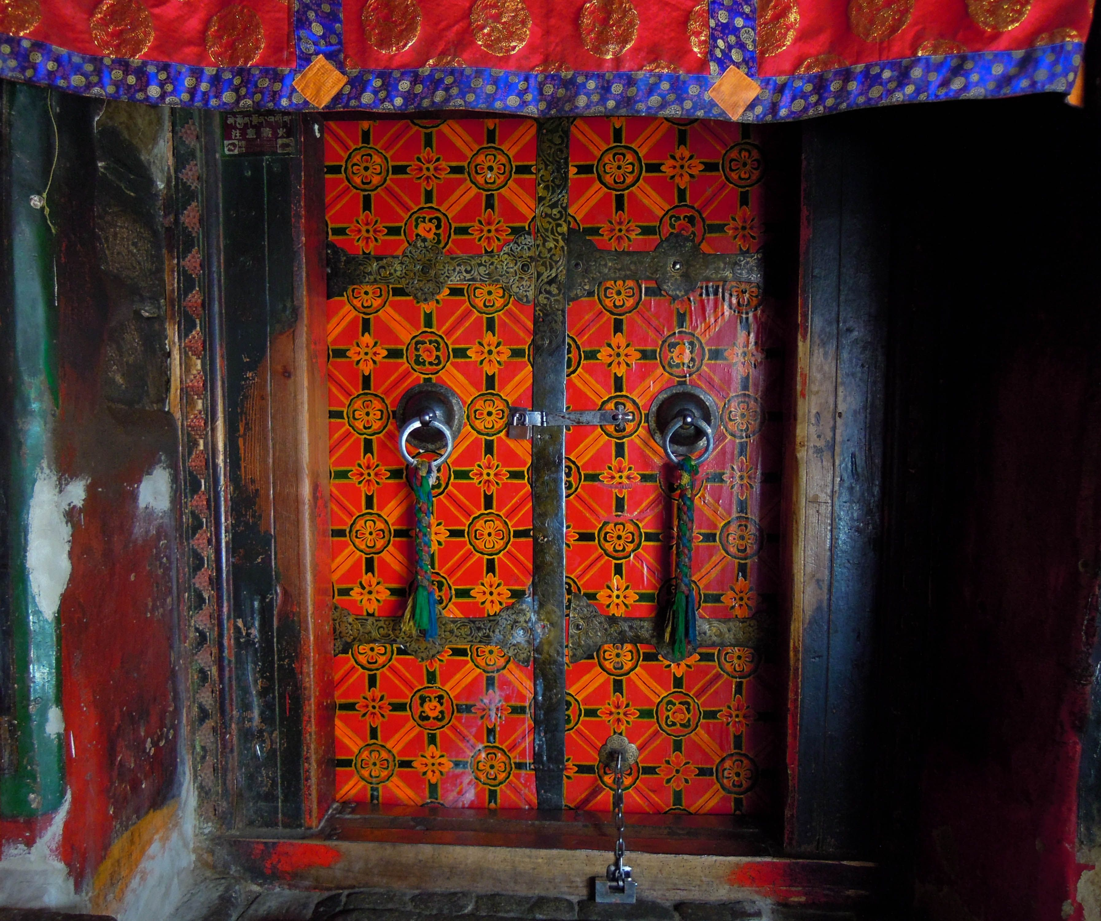 The Doors and Windows of Tibet\u0027s Monasteries   Into the Middle Kingdom  sc 1 st  Pinterest & The Doors and Windows of Tibet\u0027s Monasteries   Into the Middle ...