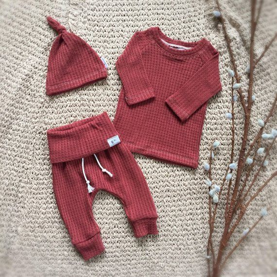 Photo of Rust Orange Baby Outfit, geschlechtsneutrale Babykleidung, Babykleidung, Babykle…