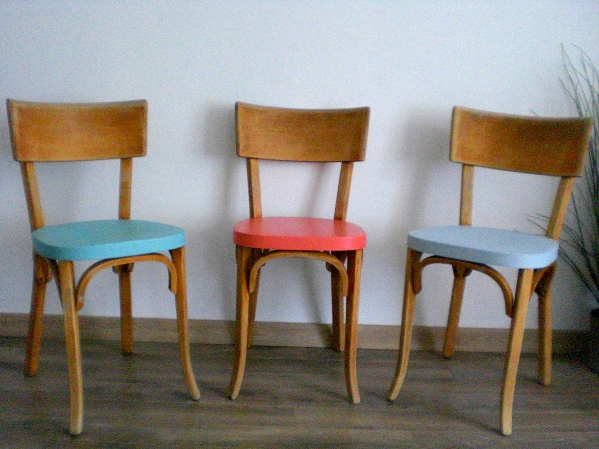 Sedie Scandinave ~ Rinnovare in modo creativo sedie vintage utilizzando colori vivaci