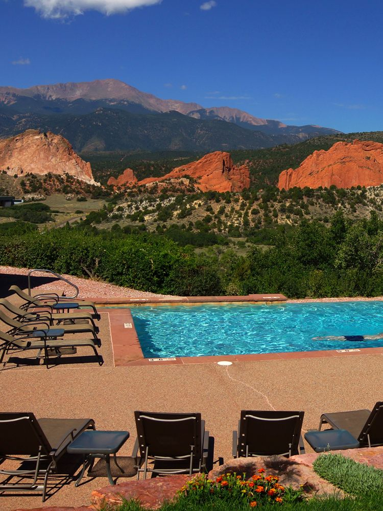 Garden of the Gods Club & Resort Cool pools, Hotel pool
