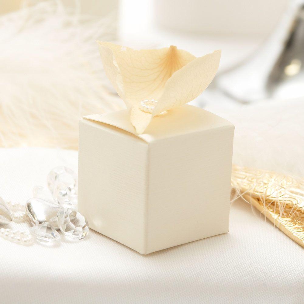 Ivory cube favour boxes - 10 pack | wedding favors | Pinterest ...